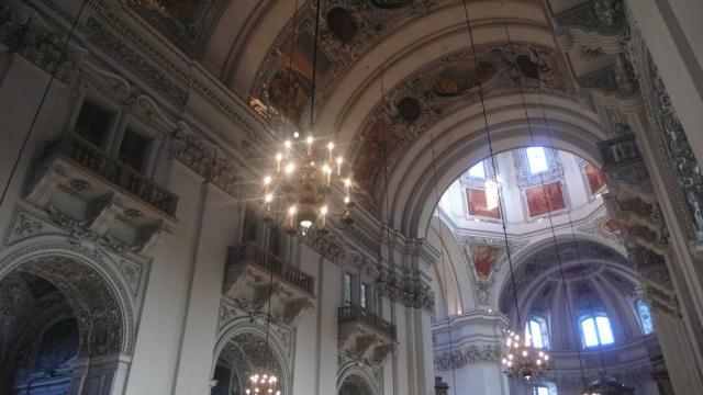 Unutrašnjost glavne crkve u Salzburgu