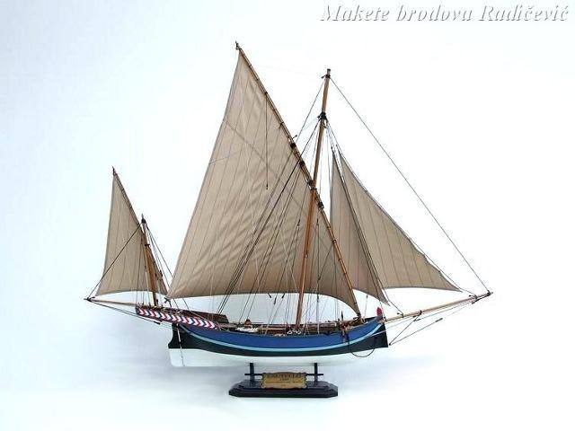 Leutelo je brodić sa obala Sicilije. Služio je za prijevoz putnika, robe i za ribarenje