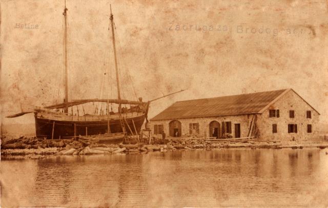 Brodograditeljska zadruga 1909, trabakul i gajeta na navozu