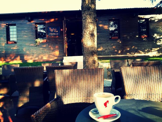 Jutarnja kava u Docker pubu