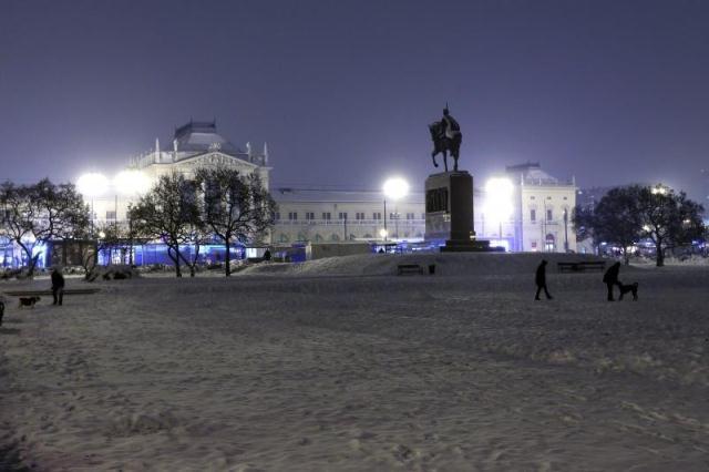 Trg kralja Tomislava na Zrinjevcu, zima 2014.