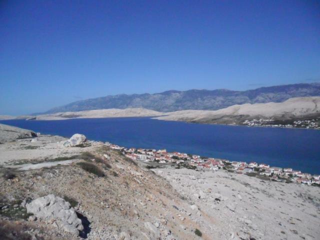 pogled na naselje Vodice - Pag
