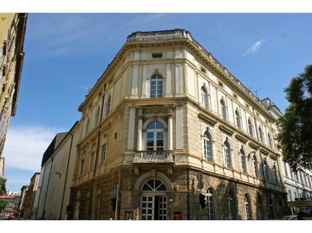 Teatro comunale, galleria Motika, II piano