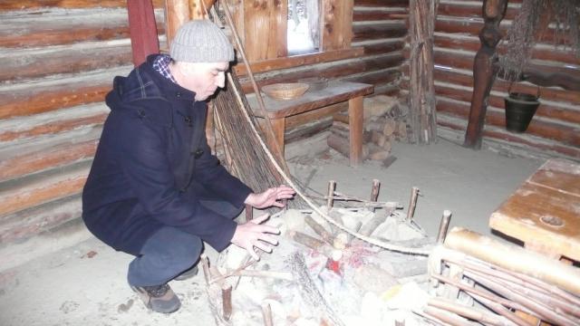 muzejski prikaz keltskih običaja i načina života - kuhinja i ognjšte