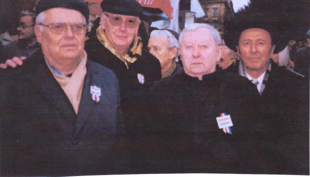I u doteklim godinama zajedno u podršci akciji Krug za trg u bitci za hrvatske pravice na budućem trgu Republike Hrvatske u Zagrebu ispred zgrade Hrvatskog narodnog kazalište.