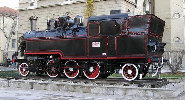 HŽ_lokomotiva_Zg kolodvor