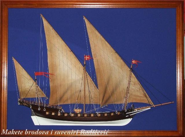Šambek je brod koji je tijekom 18. veka imao čestu upotrebu na Sredozemnom moru, kao transportni ali vrlo često i kao brzi ratni brod koji je zbog svoja tri latinska jedra mogao ići uz vjetar. Vesla su mu služila samo kao pomoćni pogon.  Veoma često su ga zbog svoje brzine i manevrabilnosti koristili gusari za iznenadne akcije napada na trgovačke brodove.  Osnovni alžirski model sredozemni tigar Bokelji su prepravili i koristili za svoje potrebe. To je brod koji je izvrsno koristio Bokeljima i kao trgovački i kao ratni brod u čestim konfliktima sa turskim gusarima.  Takav brod je koristio i kapetan Petar Želalić, čovjek koji je Turcima oteo najveći ratni brod tog vremena Veliku Sultaniju i na njemu otplovio na Maltu gdje je dočekan sa velikim vojnim počastima.
